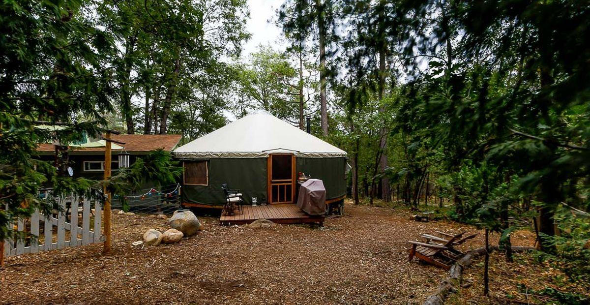 Une-Yurt-life par Bret-Beth - Californie, USA © Living Big