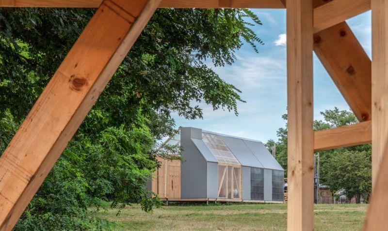 Vue façade principale - Solar-powered-cabin par IR Arquitectura - Buenos Aires, Argentine © Bujnovsky Tamas