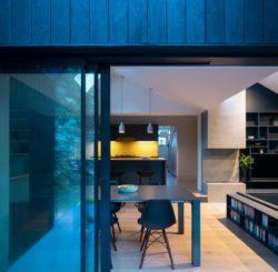 îlot de cuisine et séjour - Contemporary-Extension par Gruff-Limited - Londres, Angleterre © Ben Blossom