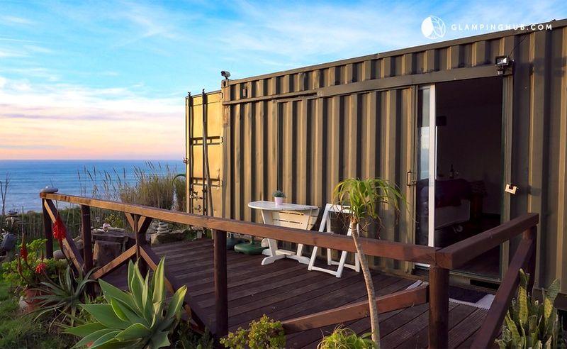 Façade terrasse - Beachfront-Containers par David - Lisbonne, Portugal © glampinghub