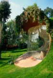 Jardin et grande baie vitrée - Organic-House par Javier Senosiain - Naucalpan de Juarez, Mexique © Cortesia Javier Senosiain