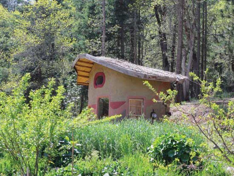 Maison en paille et en terre - Balecob par Kyle-Chandler-Isacksen - USA © House Alive