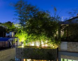 Déco balcon avec bambou par Nghia Architects - Ho-Chi-Minh, Vietnam © Hiroyuki Oki
