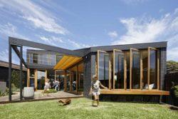 Façade principale et jardin - Annexe par Bent - Australie © notapaperhouse