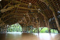 Intérieur en bambou bâtiment commun village - Chieng Yen par 1-plus-1-2 - Son La, Vietnam © Do Minh Duc