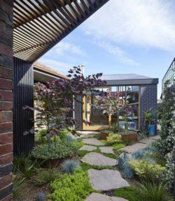Pavés entrée principale - Annexe par Bent - Australie © notapaperhouse