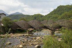 Pont en bambou - Première Biennale internationale d'architecture en bambou - Zhejiang, Chine © Juien Lanoo
