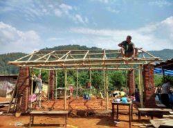 Rénovation avec bambou après une catastrophe par RootStudio - Nepal © Joao Boto Caeiro