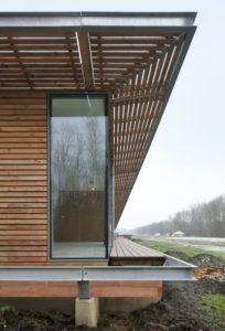 Fondation surélevée avec poutre en fer - oosterword-bureau SLA and ZakenMaker - Pays Bas - Photo Filip Dujardin