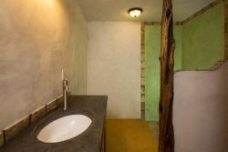 Lavabo - Straw-Bale-Homes par Community Rebuilds - Moab, USA © Community Rebuilds