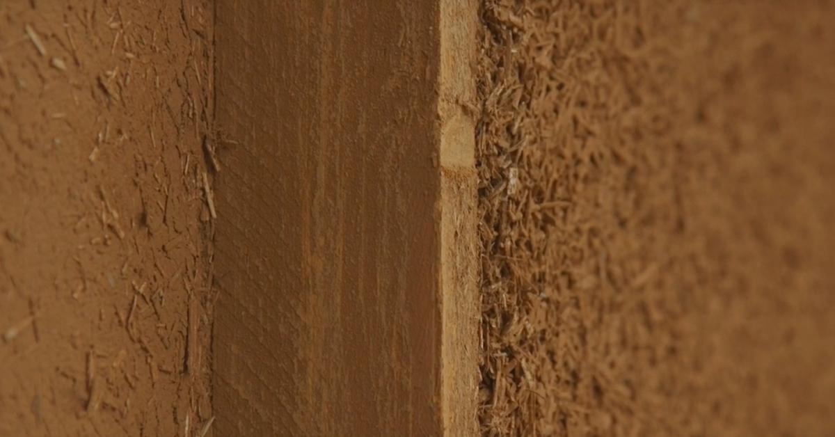 vid o pourquoi et comment isoler un mur par un m lange. Black Bedroom Furniture Sets. Home Design Ideas