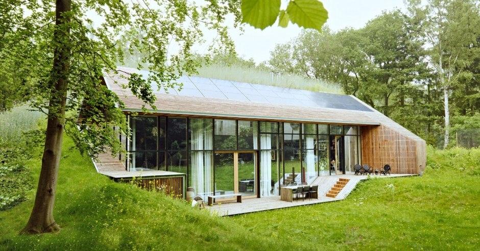 Dutch Mountain : une maison semi-enterrée bioclimatique