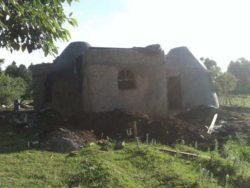 Façade en sacs de terre - Earthbag House par Francis Gichuhi - Kericho, Kenya