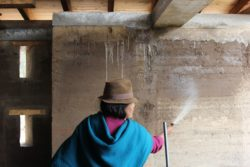 Façade mur en terre battue - Casa Lasso par RAMA Estudio - San Jose, Equateur © Jag Studio
