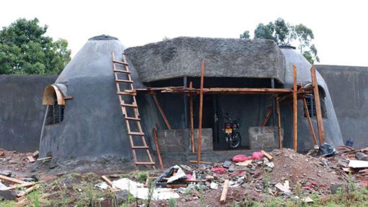 Une - Earthbag House par Francis Gichuhi - Kericho, Kenya