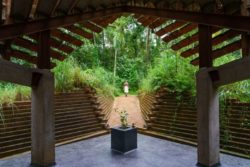 Entrée principale et façade terrasse - Chirath par Wallmakers - Kerala, Inde © Anand Jaju