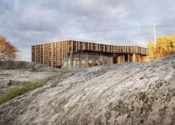 Façade principale - House-Island par AtelierOlso - Skatoy, Norvège © Ivar Kvaal