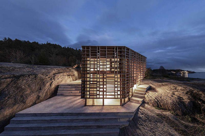 Ouvertures vitrées et escalier extérieur - House-Island par AtelierOlso - Skatoy, Norvège © Ivar Kvaal