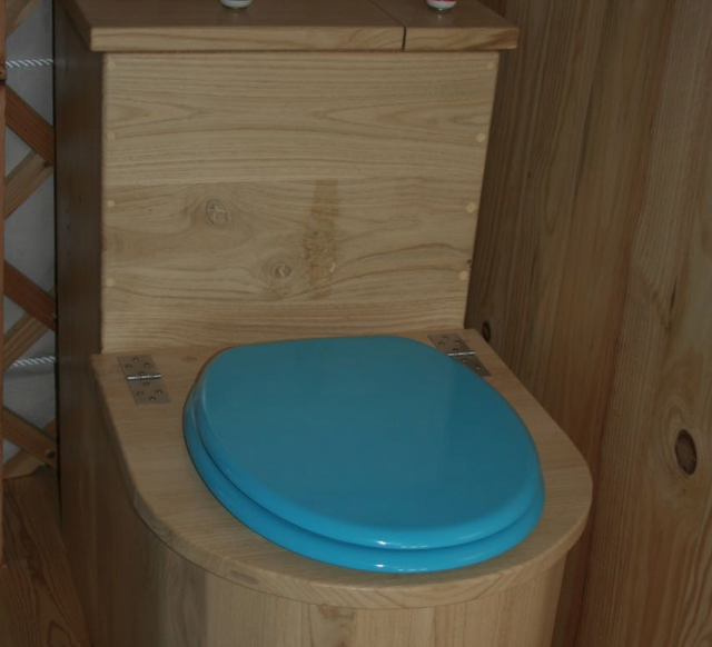 toilettes-seches-litiere-compostee
