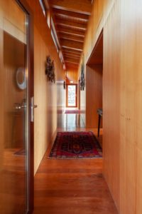 Couloir - Country-House par Rui Filipe Veloso - Cinfaes, Portugal © Jose Campos
