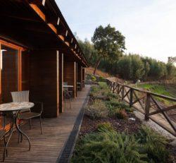Espace terrasse salon design - Country-House par Rui Filipe Veloso - Cinfaes, Portugal © Jose Campos