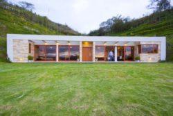 Façade principale - Casa-Gazebo par AR + C Arquitectos - Guayllabamba, Equateur