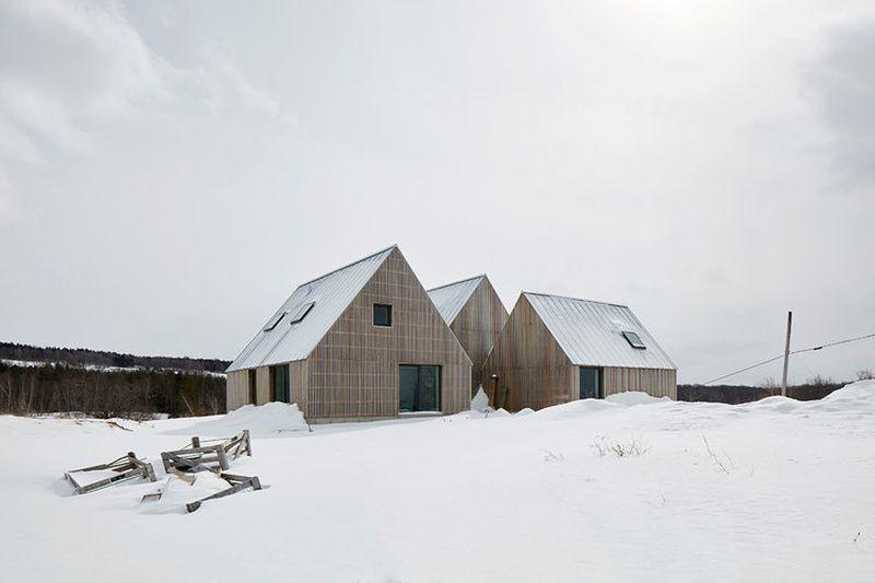 Façade principale hiver - Hatley-House par Pelletier-Fontenay - Hatley, Canada © James Brittain