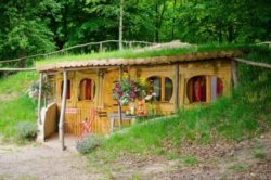 Location vacances Hobbit semi enterree - Picardie, France