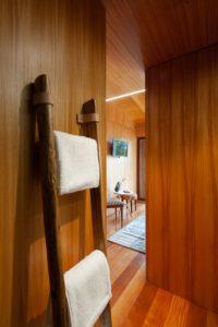 Sèche linge en bois - Country-House par Rui Filipe Veloso - Cinfaes, Portugal © Jose Campos