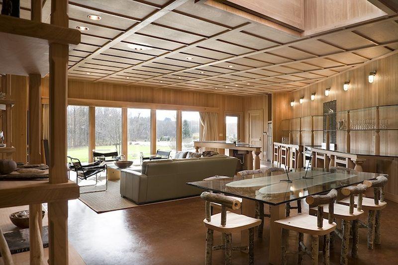 Séjour avec bois recyclé et salon - Solar-House par Allan Shope - New York, USA