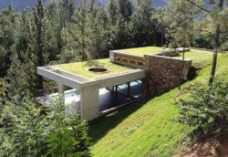 Toiture végétalisée maison-bio-climatique et semi-enterrée