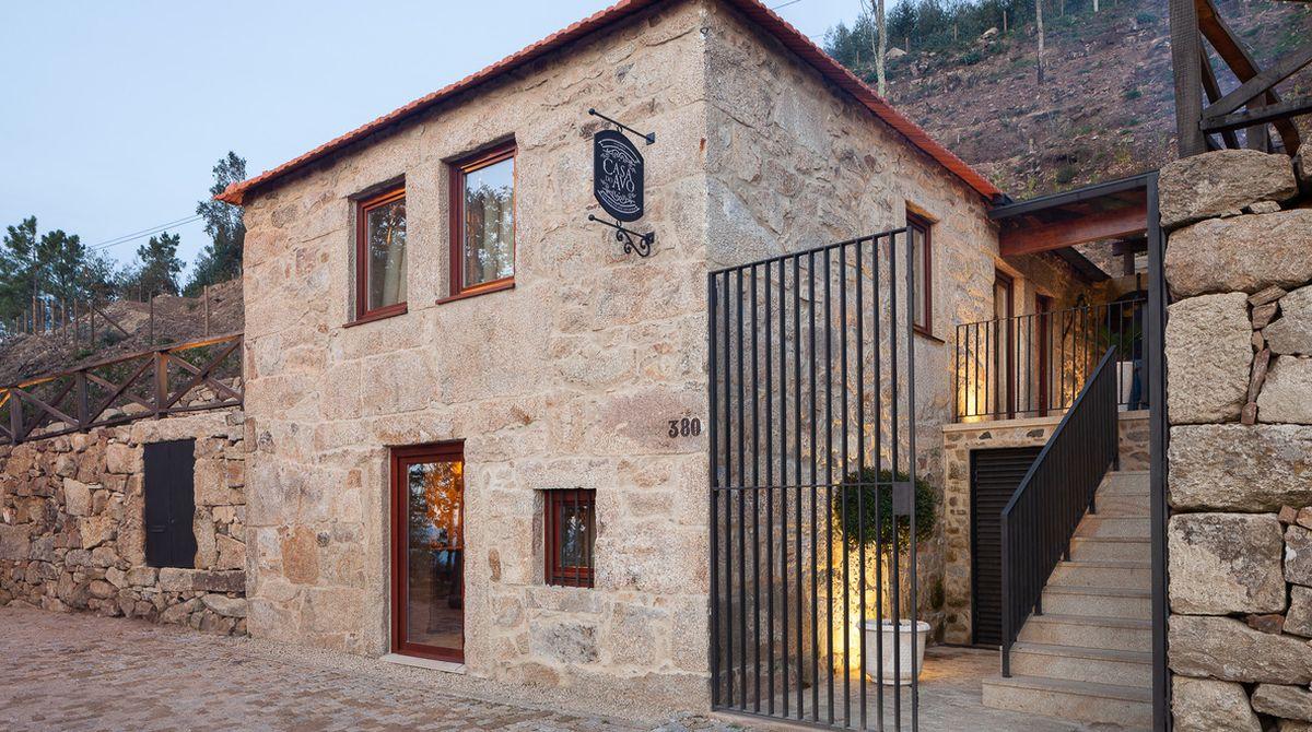 Comment Renover Un Tonneau du bois pour restaurer cette magnifique maison pierre