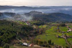 Vue panoramique paysage - Country-House par Rui Filipe Veloso - Cinfaes, Portugal © Jose Campos