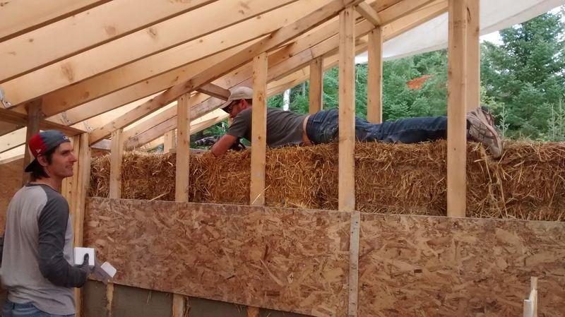 Maison bois paille greb - Papriland -St-Donat-Quebec-Canada
