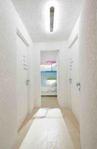 Couloir accès chambre - Float-boat par Simone Micheli - Puntaldia, Italie © Jurgen Eheim