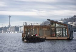 Façade principale - Floating-home par Ninebark Design - Seattle, USA © Aaron Leitz