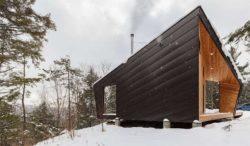 Façade structure bois hiver - Cabin-Rock par I-Kanda-Architects - New Hampshire- USA © Matt Delphenich