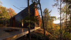 Terrasse bois - Cabin-Rock par I-Kanda-Architects - New Hampshire- USA © Matt Delphenich