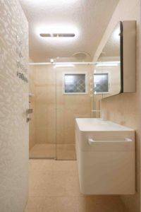 Petite salle de bains - Float-boat par Simone Micheli - Puntaldia, Italie © Jurgen Eheim
