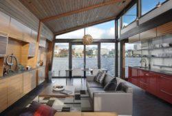 Pièce de vie et grande baie vitrée - Floating-home par Ninebark Design - Seattle, USA © Aaron Leitz