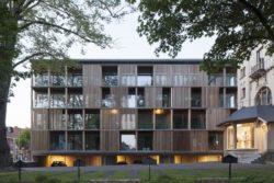 02-Shutterflats par Delmulle Delmulle Architecten - Waregem, Belgique © Johnny Umans