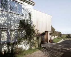03- 200-Year-Old House par Paul Cashin Architects - Chichester Harbour, Angleterre © Richard Chivers