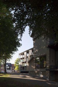 07- Shutterflats par Delmulle Delmulle Architecten - Waregem, Belgique © Johnny Umans