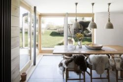 08- 200-Year-Old House par Paul Cashin Architects - Chichester Harbour, Angleterre © Richard Chivers