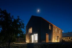26- MCR2 House par Filipe Pina - Belmonte, Portugal © Joao Morgado
