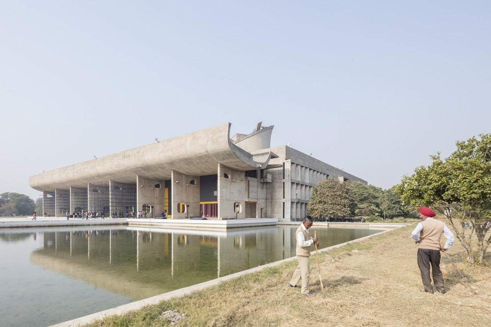 Palace de Chandigarh / Le Corbusier. Image © Laurian Ghinitoiu