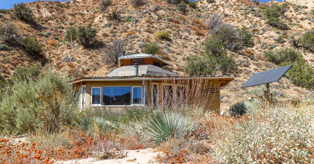Une- The-Grid Desert Living par Sasha-John - Desert Californie, USA