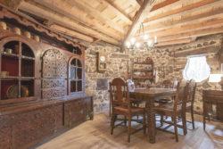 Maison du Hobbit - Saulieu -Domaine de la pierre ronde.