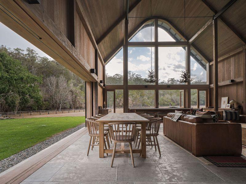 11- The-Barn-House par Paul-Uhlmann-Architects - Pullenvale, Australie © Andy Macpherson Studio