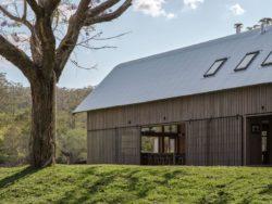 5- The-Barn-House par Paul-Uhlmann-Architects - Pullenvale, Australie © Andy Macpherson Studio